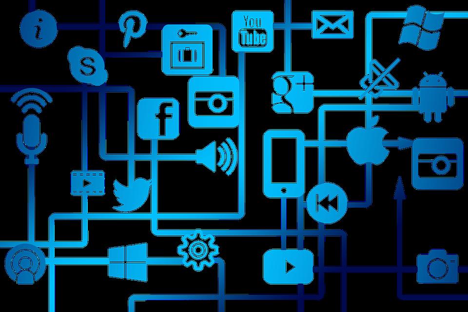Internet y Redes Sociales con menores: RIESGOS