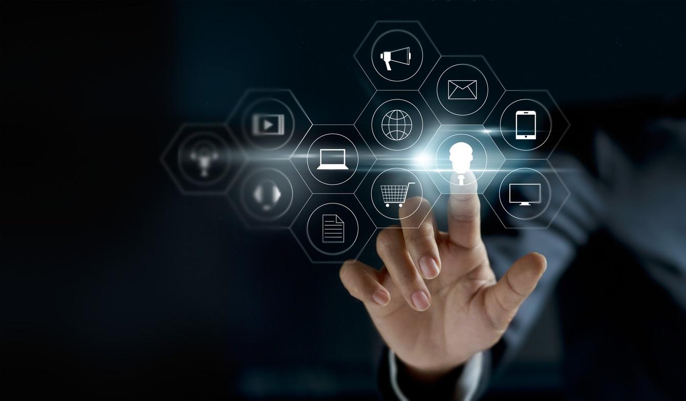 El internet del futuro: Tecnología vestible y dispositivos conectados en tu hogar (16 horas)